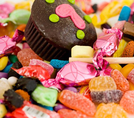 A cukor nemcsak hizlal, de rárakódik a bőr feszességéért felelős kollagénrostokra is. Erről itt olvashatsz bővebben »