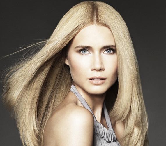 A hajvégek ívelt része lendületet ad a hajnak, különösen, ha egy fokozatosan levágott frizuráról van szó. Így már korántsem számít, hogy a fejtetőre rálapulnak-e a tincsek.