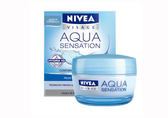 A Nivea Aqua Sensation frissítő, hidratáló nappali arckrémje minden bőrtípusra jó, szabályozza a bőrnedvesség egyensúlyát, így gyors és hosszan tartó hidratálást nyújt. Ára: 3490 forint.