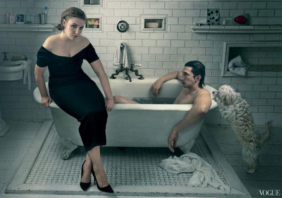 A kád szélén ülő Lena Dunham. Kattints az eredeti fotóért ide, ahol további felvételek is vannak, a manipuláció bemutatásával együtt.