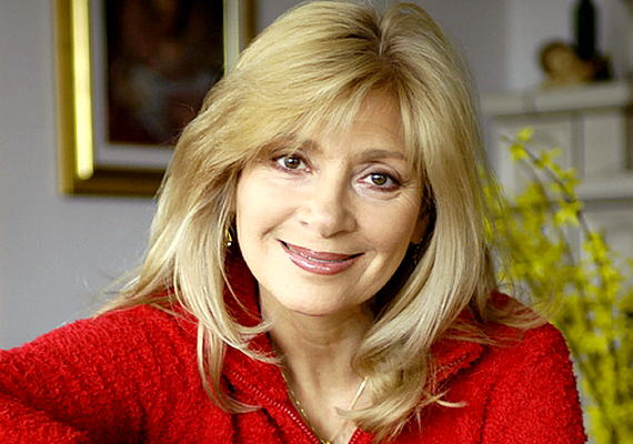 A sugárzó szépségű Bencze Ilona november 3-án lesz 67 éves, több mint 40 éve színészkedik. Ha kíváncsi vagy, milyen volt pályafutása elején, kattints ide!