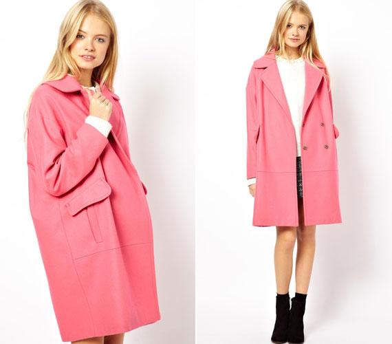 Az oversize kabátok is divatosak, bár nem követik a test vonalát, egyáltalán nem férfiasak.