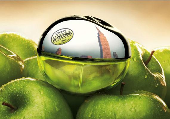 Szó szerint zöld, mégpedig örökzöld ez a parfüm, amely immáron kilenc éve van a piacon. A friss és élettel teli nő illata, bűnös és ártatlan egyszerre. Köszönhetően a benne lévő zöldalma esszenciának, igazi nyári illat. A legkisebb kiszerelés 10-12 ezer forint.