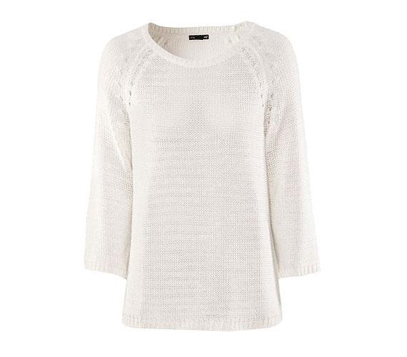 Egy fehér pulcsi univerzálisan használható, sportos és elegáns szettekhez is remekül megy. A H&M egyszerű darabja 5990 forintba kerül.