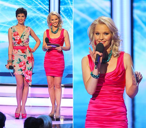 Az első élő adásban különleges Dolce&Gabbana-kreációkban léptek színpadra a műsorvezetőnők. Nóra visszafogottabb stílust kapott, a finom nőiességet képviselte átlapolt fazonú, peónia-mintás darabjában. Lilu egy kihívóbb, pink selyemruhában tündökölt.