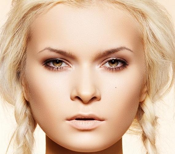 Az erőltetett fiatalság visszafelé fog elsülni: minél kislányosabb a frizura, annál jobban hangsúlyozza, hogy a viselője már nem kamaszlány.