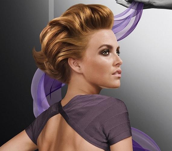 A hátrafésült frizura éveket rádob a valós korodra, és ez a hatás fokozódik, ha még egy kis tupír is társul hozzá.