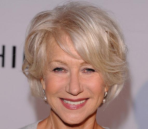 A 70 éves színésznő, Helen Mirren mindig is a természetességre törekedett. Híres kolléganőivel ellentétben azon ritka kivételek közé tartozik, akik mellőzik a plasztikai beavatkozásokat: vállalja a ráncokat, és ősz haját sem hajlandó festetni.