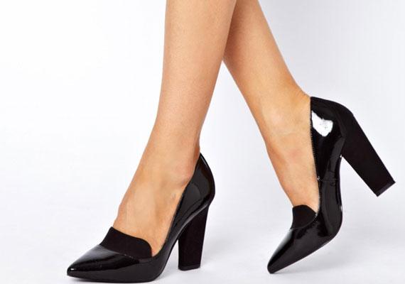 A klasszikus, kicsit férfias benyomást keltő cipőkkel is tele lesznek az üzletek.