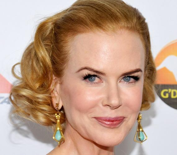 Nicole Kidman az utóbbi években olyannyira tönkretette az arcát, hogy már szerepeket sem szívesen osztanak rá, hiszen nem tud a mimikájával érzelmeket közvetíteni.