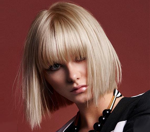 A klasszikus bob is remekül mutat a vékony szálú hajból, hiszen a tömött frufru sem lesz aránytalan.