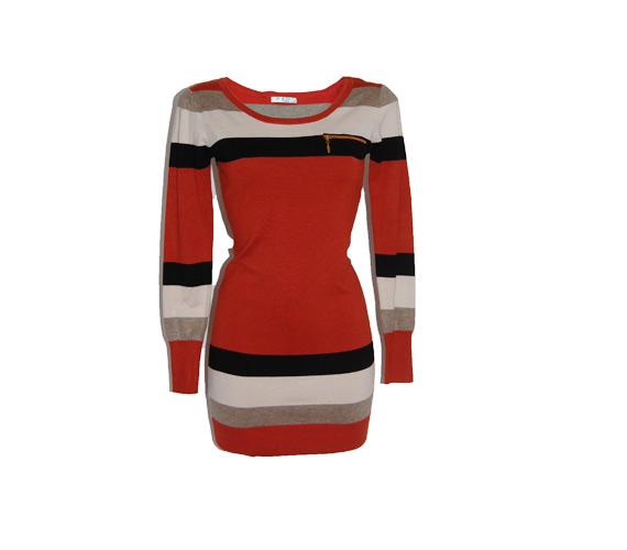 Leggingshez lehet jó ez a hosszabb pulóver - nemcsak jól mutat, de a derekadat is takarja 3800 forintért.
