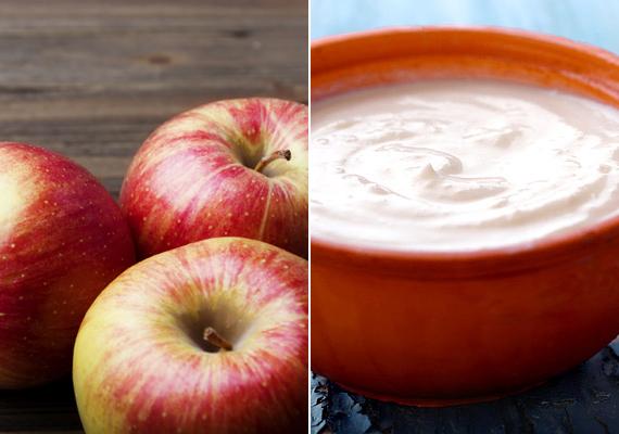 Készíts almás-joghurtos pakolást. A joghurtban tejsav, az almában pedig gyümölcssav található, ezért hámlasztó tulajdonságúak. A joghurthoz reszelt almát keverj, kend fel a pakolást az arcodra, majd, ha megszáradt, óvatos mozdulatokkal dörzsöld le.                         Ha érzékeny a bőröd, az almát kihagyhatod belőle.