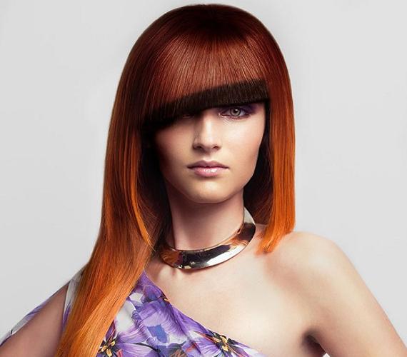 Ha csak nem tartod mindig ugyanúgy a fejed, és nem vasalod ki minden nap a hajad, akkor a képen jól festő sötétebb csík elmászik, és úgy fog kinézni, mintha nem jól festették volna be a hajad.
