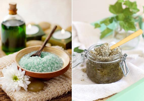 Bőrszípítés, test-regenerálásFürdősót nagyon egyszerű házilag is készíteni - akár bőrregeneráló, akár fertőtlenítő, akár megfázás elleni fürdősót szeretnél. Ha a bőrödet szépítenéd, keverj össze egy csésze tengeri sót egy evőkanál szódabikarbónával, és önts hozzá egy fél csésze zöld teát. Fertőtlenítő, gyulladáscsökkentő fürdőhöz a tengeri só mellé kamillát használj, ha pedig a megfázást állítanád meg, eukaliptusz-olajjal egészsítsd ki a só-szódabikarbóna kombinációt. Más, olcsó fürdősó-receptekért kattints korábbi cikkünkre.