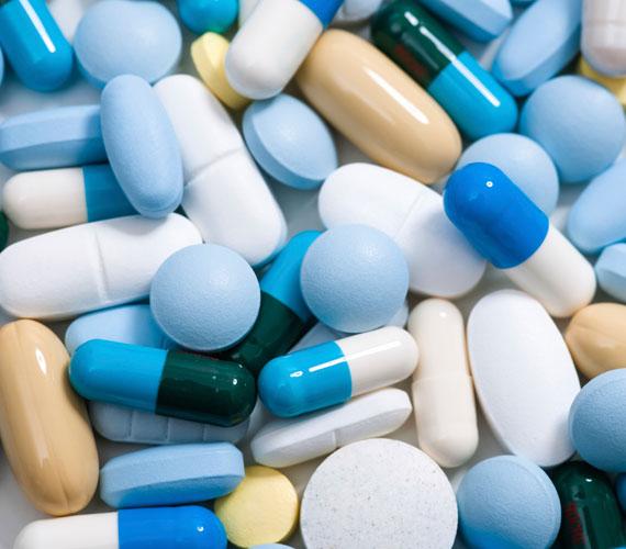 Egyes gyógyszerek is szürkíthetik a bőrt, különösen a nyugtatók.