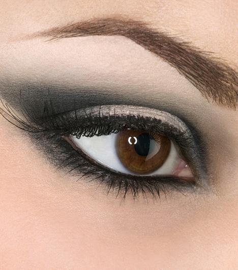 Szürke szemek  Néhány szín ahelyett, hogy kiemelné szemeid szépségét, öregít, ezek között is leginkább a szürke. Ha lehet, ezt kerüld, ahogyan a tompa kéket és lilát is, különösen a szem alatt.  Kapcsolódó cikk: Így lesz olyan a sminked, mint a modelleké »
