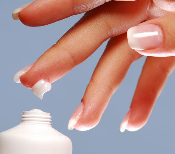 Már egy hét után szemmel látható a változás, ha minden este szorgalmasan tisztítasz, tonizálsz és hidratálsz a megfelelő természetes kozmetikumokkal.