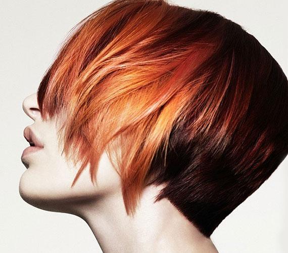 A színátmenetes haj most nagy divat, és ezzel a fazonnal sem kell sokat babrálni reggelente.