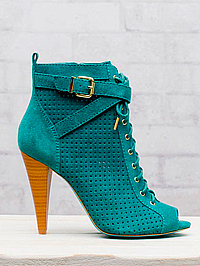 Stradivarius 17 995 Ft
