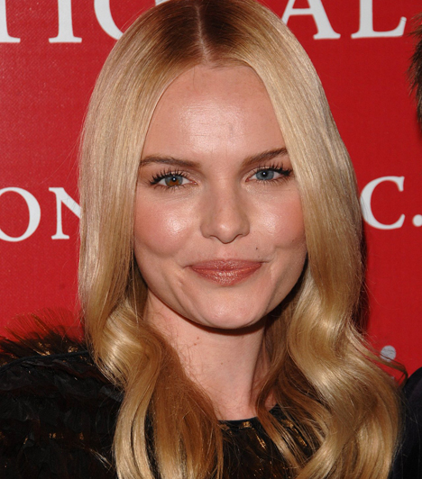 Kate BosworthA szőke színésznő tipikus mosolygós amerikai szépség, és a szemét elnézve érthető, hogy miért nincs szüksége erős sminkre. Különleges, félig barna, félig kék szeme éppen elég feltűnő. Az erősebb szempillaspirál kinyitja a szemet, így még inkább ráirányítja a figyelmet.Kapcsolódó cikk:Szépségbazár: 4 szempillaspirál 3 ezer forint alatt »