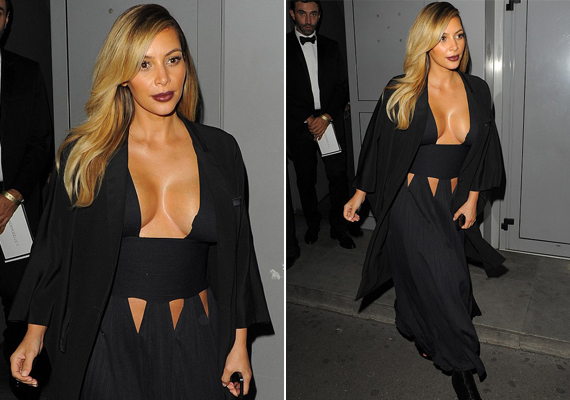 Kim Kardashian is Párizsban múlatta az időt barátaival egy partin, amikor ezt a furcsa szabású ruhát viselte. A meghökkentő dekoltázs cseppet sem ízléses, sőt, közönséges.