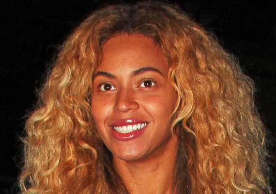 Nem most készült Beyoncéról ez a kép, amin a szájfényen kívül nem visel sminket.