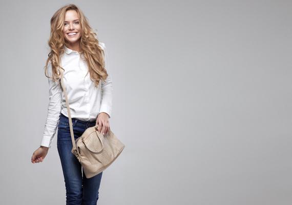 Keresztben hordod a táskádat? Bizonyára kedveled a szabadságot, ugyanakkor azt is jelentheti, hogy szeretsz kitűnni a tömegből.