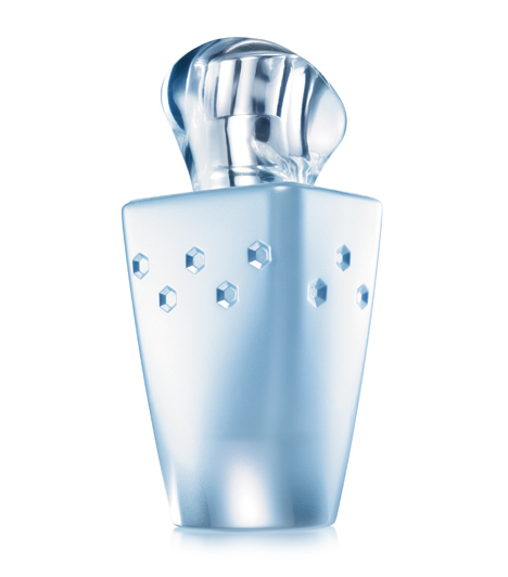 Avon Today Tomorrow Always DiamondAz illat a szerelem ragyogó ünneplése. Nevetéssel és reménnyel teli, szerelemmel ragyogó, derűs illat. Vadjácintból és narancsvirágból álló, fényűző illatcsokor, melyet a nárcisz és a rózsafa jegyei egészítenek ki. 50 ml 4800 forint.