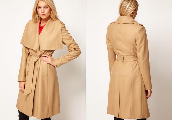 A lehajló gallér idén új értelmezést kapott, a kabátnak szinte az egész nyakrésze a gallérból áll. A széles vállat különösen jól palástolhatod vele.
