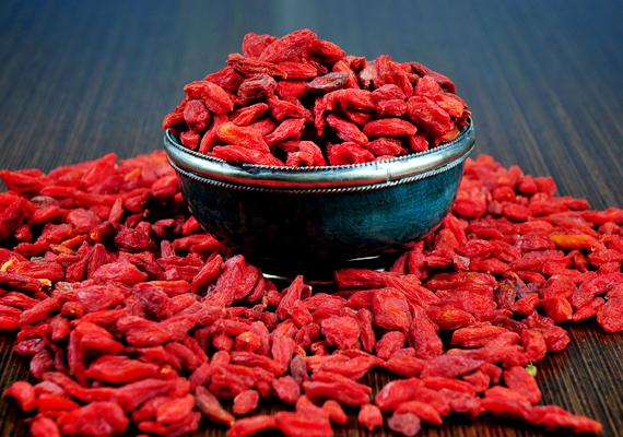 Az esszenciális zsírsavakban és aminosavakban gazdag goji bogyó, az ördögcérnának is nevezett növény belsőleg és külsőleg is jótékonyan hat a szervezetre.