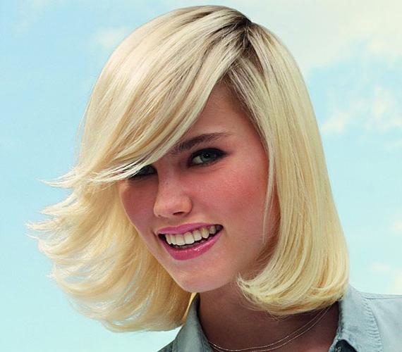 Ez a féloldalas frizura szintén nagyon könnyen kezelhető. Csinos, és a legtöbb arcformához passzol.