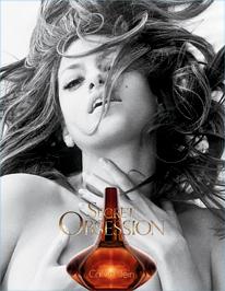 Eva Mendes egy szál parfümbe öltözve