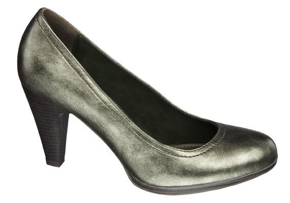 Ez az olajzöld cipő közepesen magas sarokkal tökéletes lehet őszre, nem fekete, de nem is túl feltűnő, ráadásul csak 4990 forintba kerül.