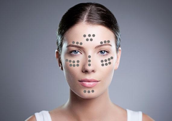 Ennél az arcformánál nincs szükség arra, hogy a keskenyebb részeket szélesítsd, így elég ragyogást adnod az orrcsontodnak, az orcáknak, valamint a homlokod és az állad középső részének.