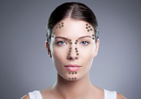 Amennyiben ovális az arcod, úgy annak formája leginkább egy tojáshoz hasonlít. Mivel szinte tökéletes az alakja, csupán arra kell törekedned, hogy a szemeid a középpontba kerüljenek. Árnyékolj a homlokod szélein, az ajkad alatt és az orrod körül is!
