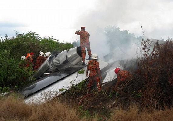 Michael Dacre, a nyolcüléses repülő taxi, a Jetpod feltalálója 2009-ben egy próbarepülés során elveszítette az uralmát a gép fölött, és halálos balesetet szenvedett.