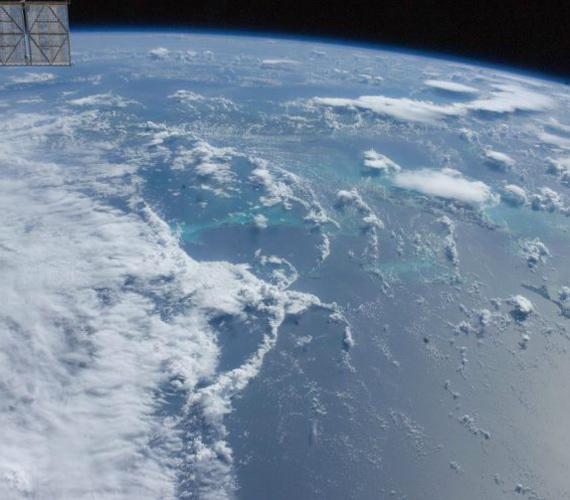 Így nézett ki a hurrikán a Bahamáknál járva 2011. augusztus 23-án. A fotó a Nemzetközi Űrállomásról készült.