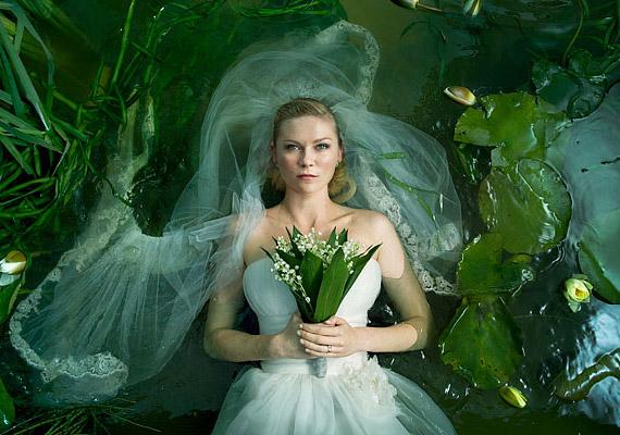 Kirsten Dunst Lars von Trier Melankólia című filmjében nyújtott alakításáért díjat kapott Cannes-ban.