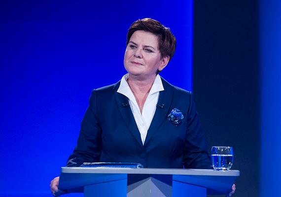 2015. október 25-én parlamenti választásokat tartottak Lengyelországban, melyet a konzervatív jobboldali párt, a Jog és Igazságosság - PiS - nyert meg. A képen Beata Szydlo lengyel kormányfő látható.