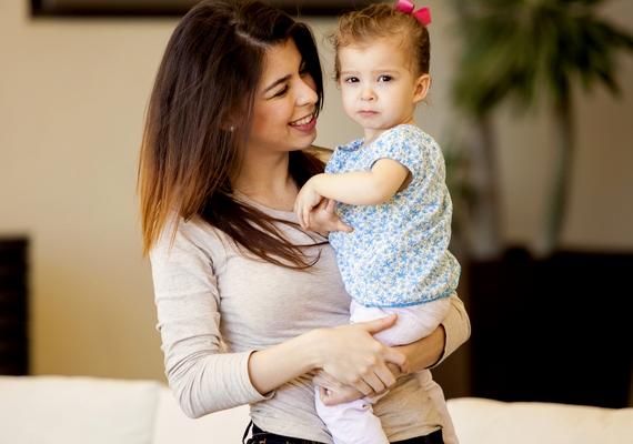 A gyermekfelügyelet itthon és külföldön is kortalan, sőt, előnyt is jelenthet, ha elmúltál 35 éves, főleg, ha vannak gyerekeid. Nem ritka az olyan bébiszitter-hirdetés, amelyben meghatározzák, hogy csak bizonyos kor felett tudnak felvenni.