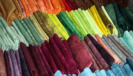 43dccf25a43e Az olcsóság és a hatalmas választék egyetlen hátránya, hogy a pulóvereid, a  kabátjaid és a szoknyáid bármikor és bárhol szembejöhetnek veled az utcán,  ...