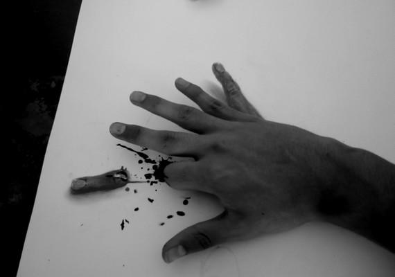 Saját kezét is bevonta az alkotásba Fredo.
