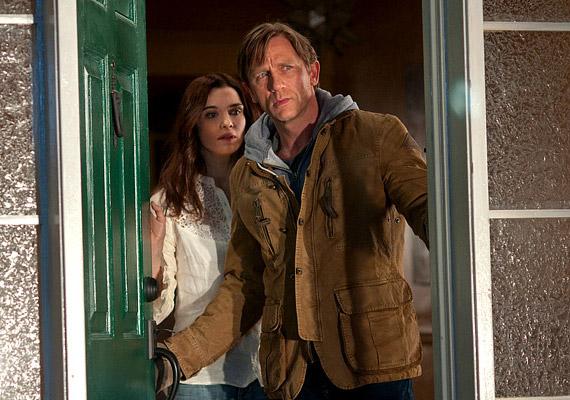 Álmok otthona: A Daniel Craig által alakított Will azután, hogy családjával beköltözött új otthonába, tudomást szerez róla, hogy a ház egy brutális bűncselekmény helyszíne volt.