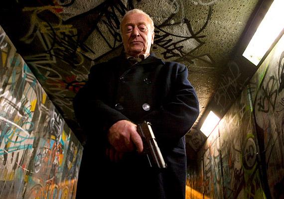 A nyugdíjas, egykori tengerészgyalogos Harry Brown – Michael Caine - bosszút esküszik a barátját megölő lakotelepi banda ellen.