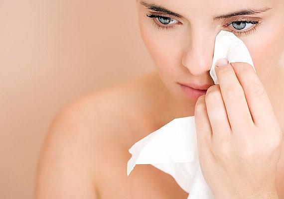Egy nedves törlőkendővel bármikor felfrissítheted magad, megigazíthatod az elkenődött sminkedet, testnevelés órák után pedig egyenesen életet menthet.