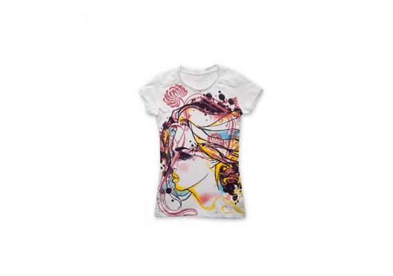 A Hevy Toolsban vásárolhatod meg ezt a színes, arcképes pólót 3990 forintért. Tedd még különlegesebbé egy nagy, szokatlan fülbevalóval, ami vonzza a tekintetet.