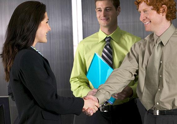 A marketinges szakma is sokkal kézenfekvőbb a nők számára, mert lényegesen jobb kommunikációs képességgel rendelkeznek, mint a férfiak.