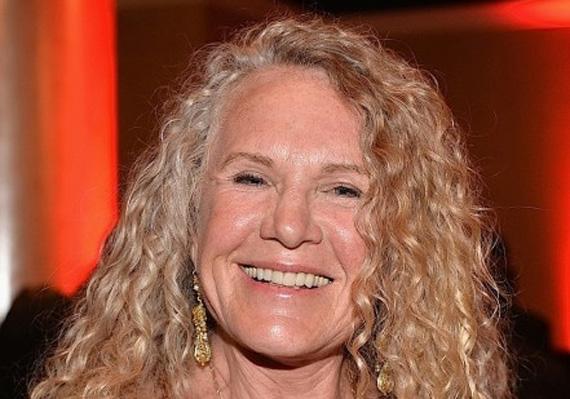 A világ leggazdagabb hölgyének, Christy Waltonnak a jelenlegi vagyona 36,7 milliárd dollár. Mindezt a Wal-Mart alapítójának fiától, John T. Waltontól örökölte. A férfi 2005-ben hunyt el egy repülőbalesetben.