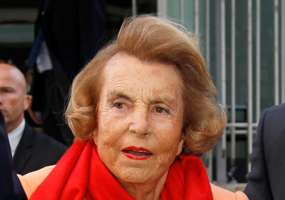 A világ harmadik leggazdagabb nőjéből lett 2014-re a második a listán, Európában pedig a leggazdagabb a francia Liliane Bettencourt, vagyona 34,5 milliárd dollár. A L'Oréal kozmetikai cég részvénycsomagját apja 1957-es halálakor örökölte.